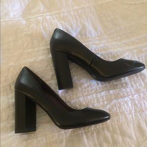 BCBGeneration Black Heel